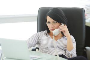 5 dicas para escolher a cadeira ergonômica certa para escritório